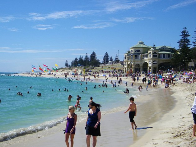 800px-Cottesloe_Beach,_Perth,_Western_Australia_(4431664542) by michael spenser
