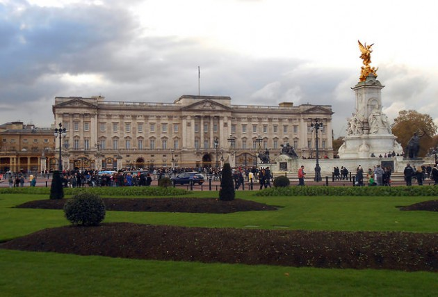 Buckingham Palace by [Duncan], Flickr